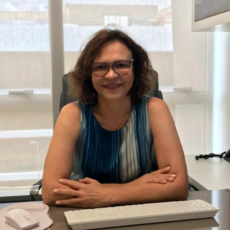 Dra. Claudia Lidroneta Bernardino da Costa Katz (CRM-DF: 20333)