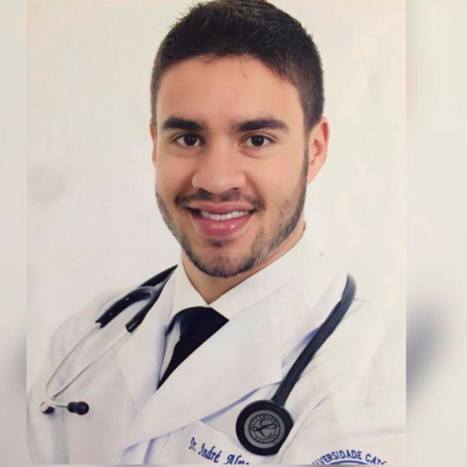 Dr. André Morais Alves (CRM-DF: 020683)
